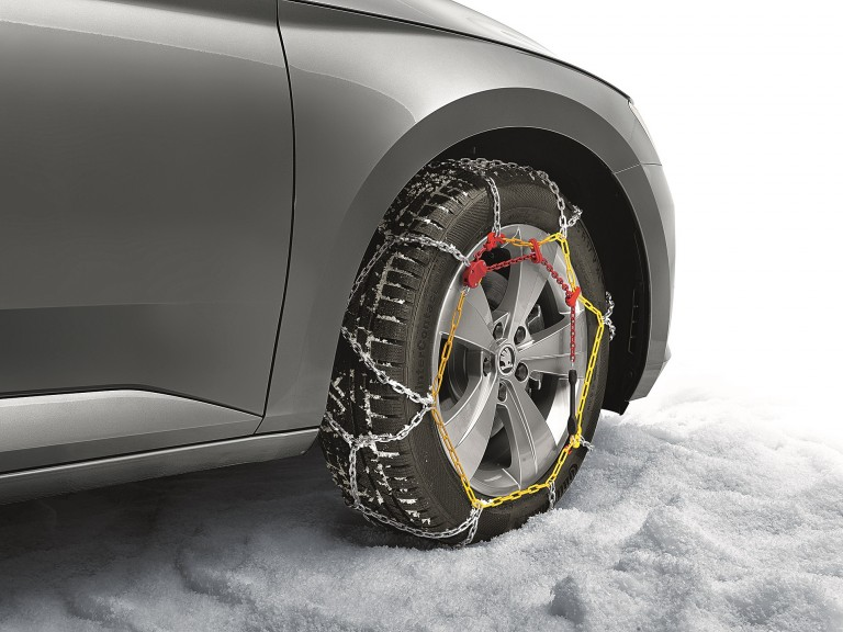 Attractive ŠKODA Accessories for cold season