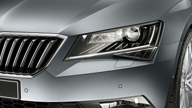 Seeing through the winter: New ŠKODA Superb dynamic light features