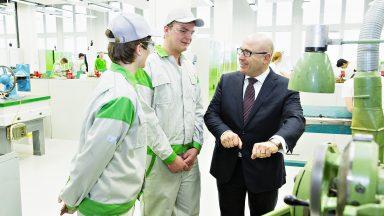 Investice do budoucnosti: Otevření nového CNC-centra na Středním odborném učilišti ŠKODA AUTO