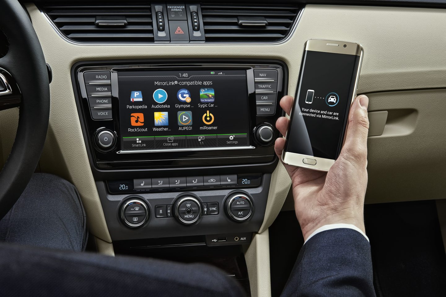 ŠKODA introduced the new Wireless MirrorLink technology at the Mobile World Congress (MWC), in Barcelona in February 2016. (Photo: ŠKODA AUTO a.s.)