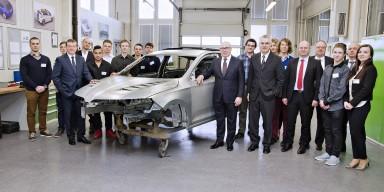 Unikátní kompaktní kupé: Žáci SOU ŠKODA AUTO staví svůj automobil snů