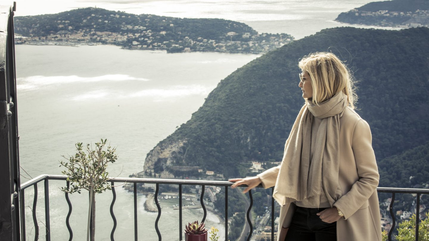Stunning view from Èze-Village over Èze-sur-Mer and Cap Ferrat. During her modelling years, Tereza Maxová fell in love with the Côte d'Azur, and moved here in 2010. (Photo: Bernhard Huber)