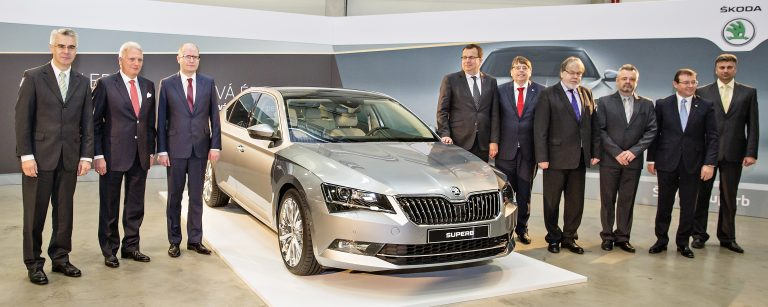 ŠKODA expands Kvasiny site; Czech government invests in region's infrastructure