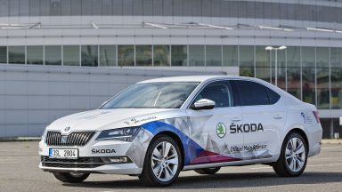 ŠKODA at the IIHF Ice Hockey World Championships in the Czech Republic: Great cars, lots of action