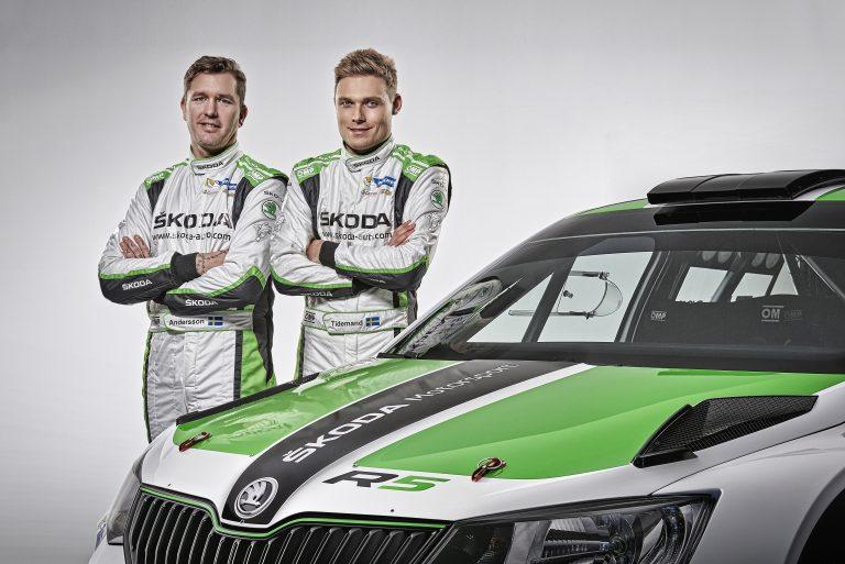 Posádka ŠKODA Motorsport Pontus Tidemand/Emil Axelsson