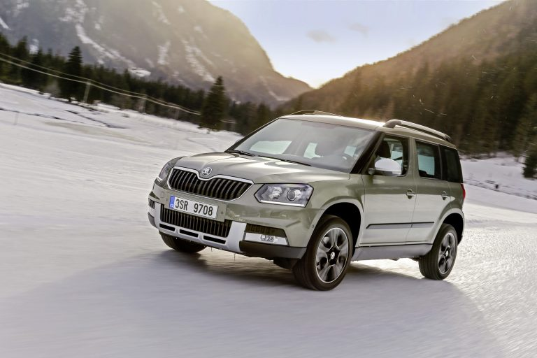 The YETI's design reveals the off-road DNA of the compact SUV class even more distinctly. It paved the way in the off-roader segment for ŠKODA and the KODIAQ, which is set to arrive in the second half of 2016.
