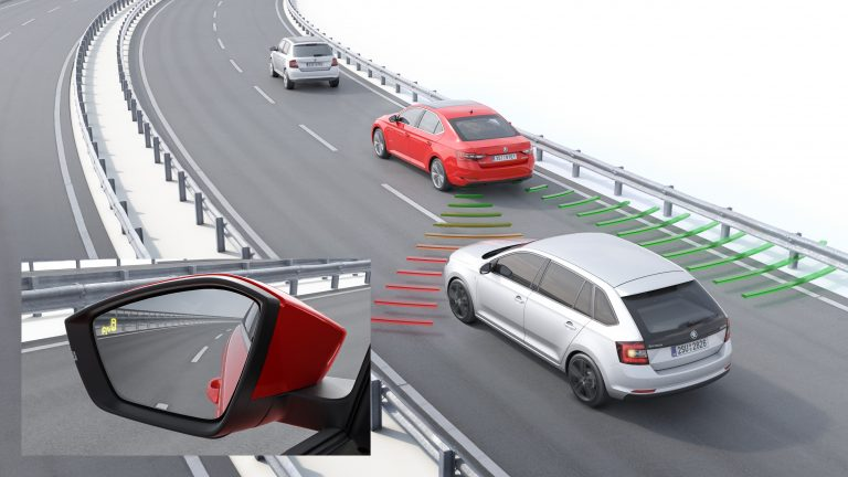 New ŠKODA Superb – Blind Spot Detect