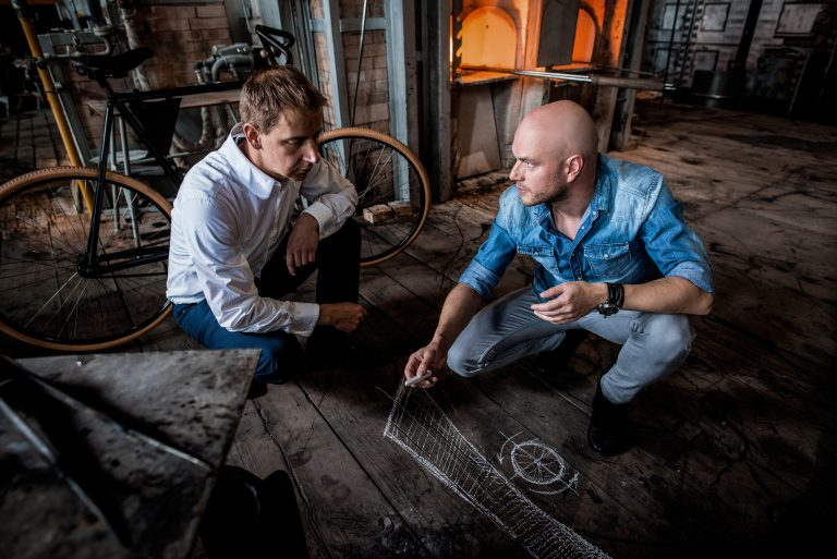 Experts at work: Together with Lasvit Vice President Aleš Stýblo, designer Peter Olah (right) sketches the embellishment that the experts will apply to the crystal glass as a finishing touch.