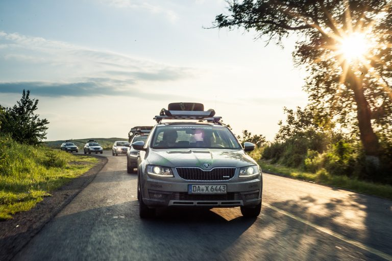 Sonny boy: whether on asphalt or off-road – the ŠKODA OCTAVIA SCOUT impresses on any terrain with superior driving characteristics and a high level of comfort.