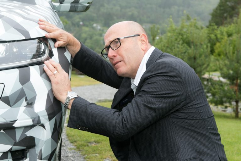 Management matters: Board Chairman Bernhard Maier paid close attention to the final calibration drives. Maier: