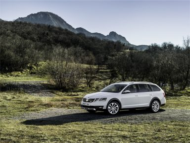 ŠKODA OCTAVIA SCOUT: The robust all-rounder receives new technology
