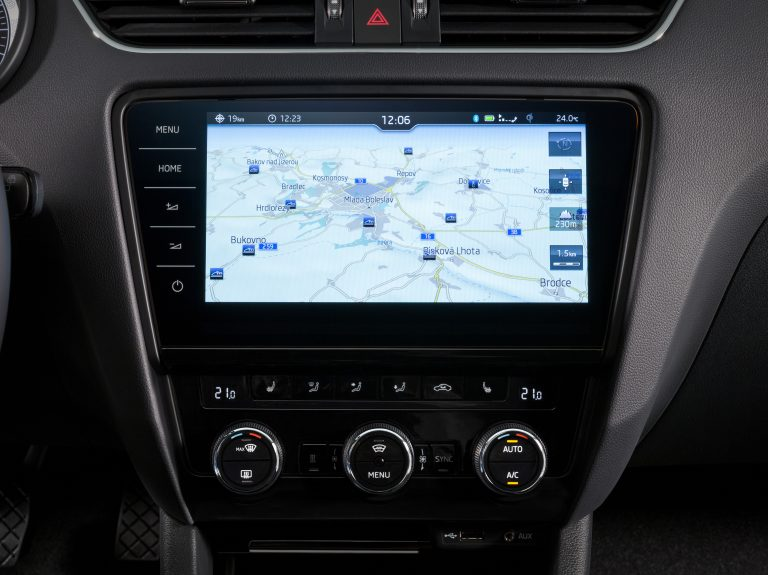 Škoda octavia: bestseller with a comprehensive upgrade - press kit