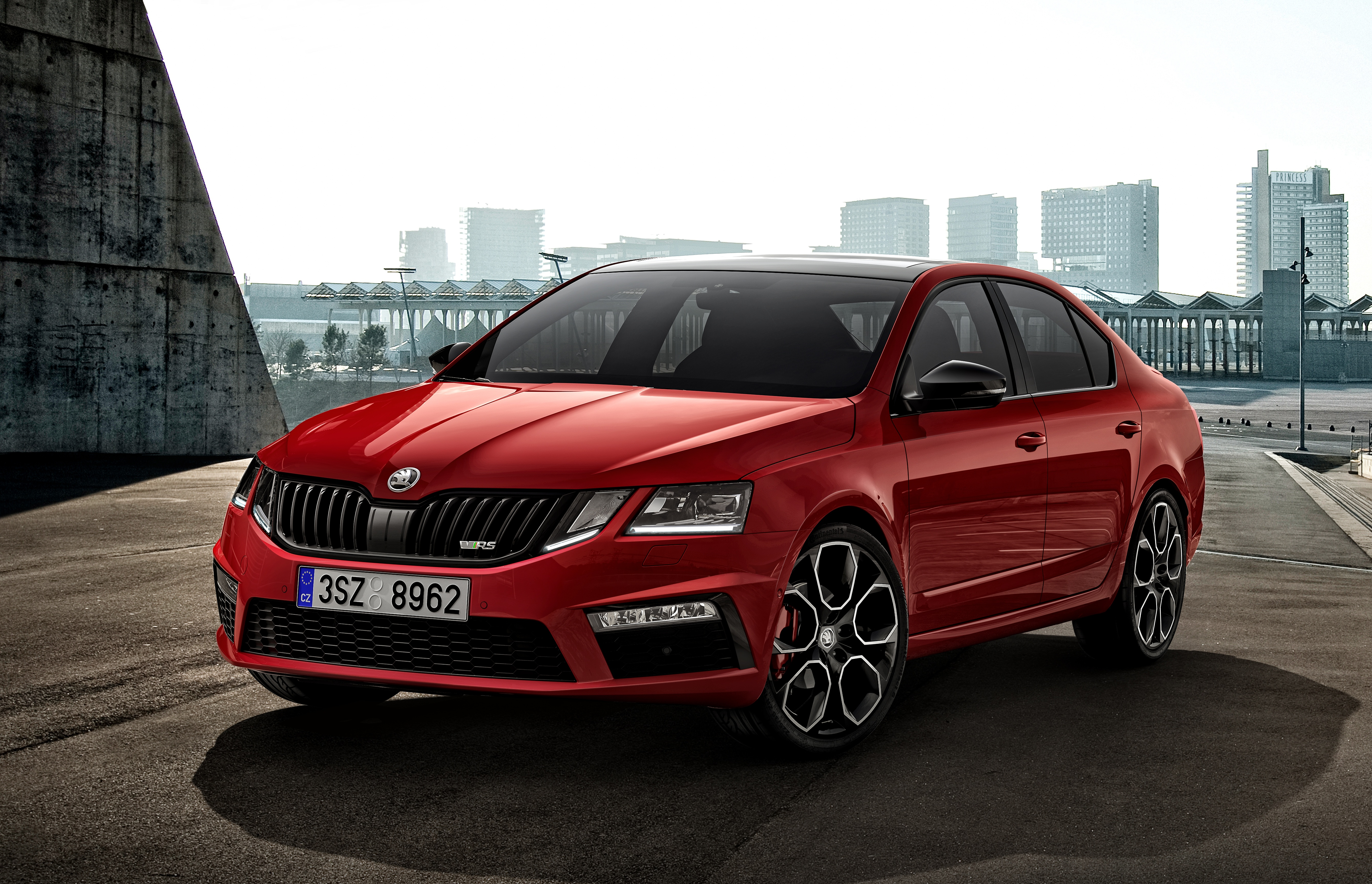 ŠKODA OCTAVIA RS 245 – premiere of the high-performance sportster new to  the model range