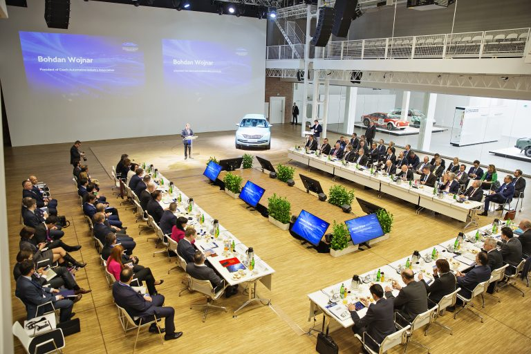 Colloquium in Mladá Boleslav prepares the way for 'Pact for the Future of Czech Auto Industry'