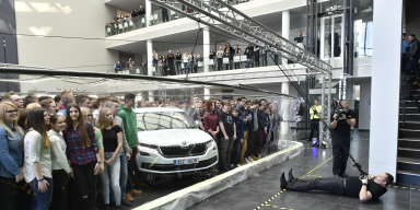 NEW RECORD: KODIAQ AND 275 PEOPLE IN A BUBBLE