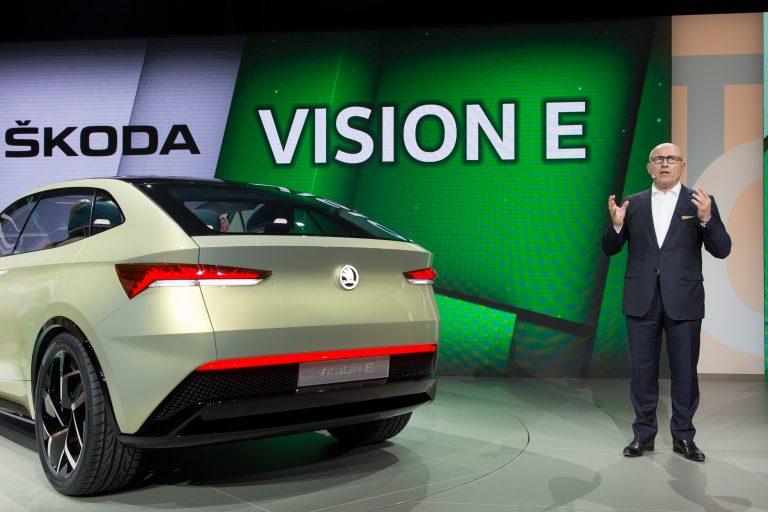 Studie ŠKODA VISION E se představila na Volkswagen Group Night v Šanghaji