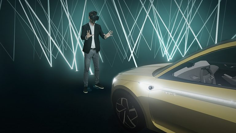 ŠKODA VISION E celebrates world premiere around the globe thanks to Virtual Reality smartphone app