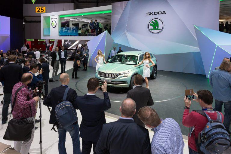 Geneva Motor Show: ŠKODA electrifies with new study