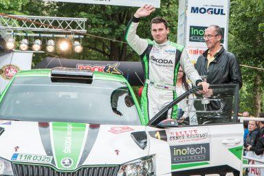 Rally Český Krumlov: třetí vítězství v řadě pro Jana Kopeckého a tým ŠKODA