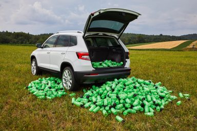 Tour de France endurance test: ŠKODA KAROQ with VarioFlex rear seats has space for up to 1,000 bottles