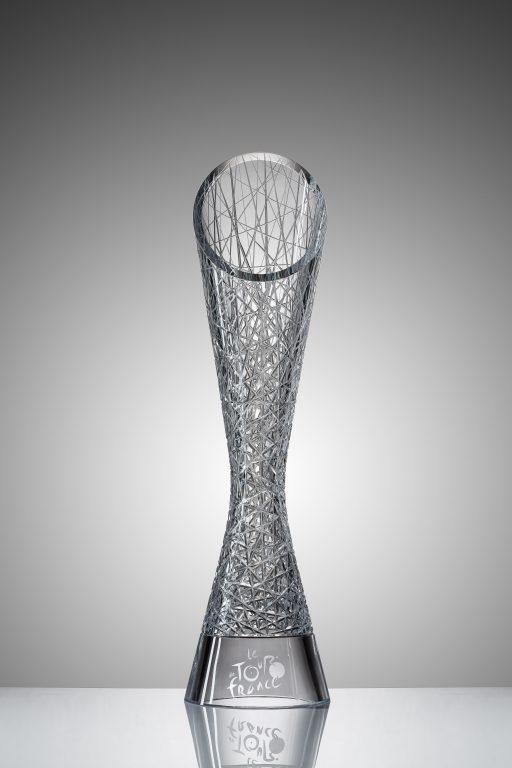Tradice se snoubí s emocemi: ŠKODA Design navrhl trofeje pro vítěze Tour de France