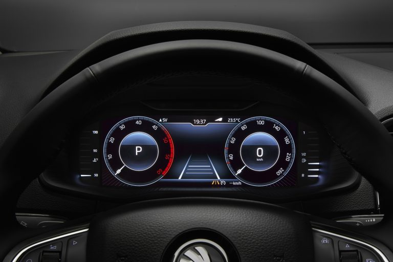 IAA Premiere: The ŠKODA KAROQ's fully customizable digital instrument panel