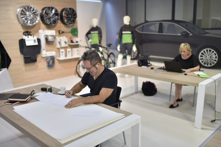 Creating art for ŠKODA showrooms