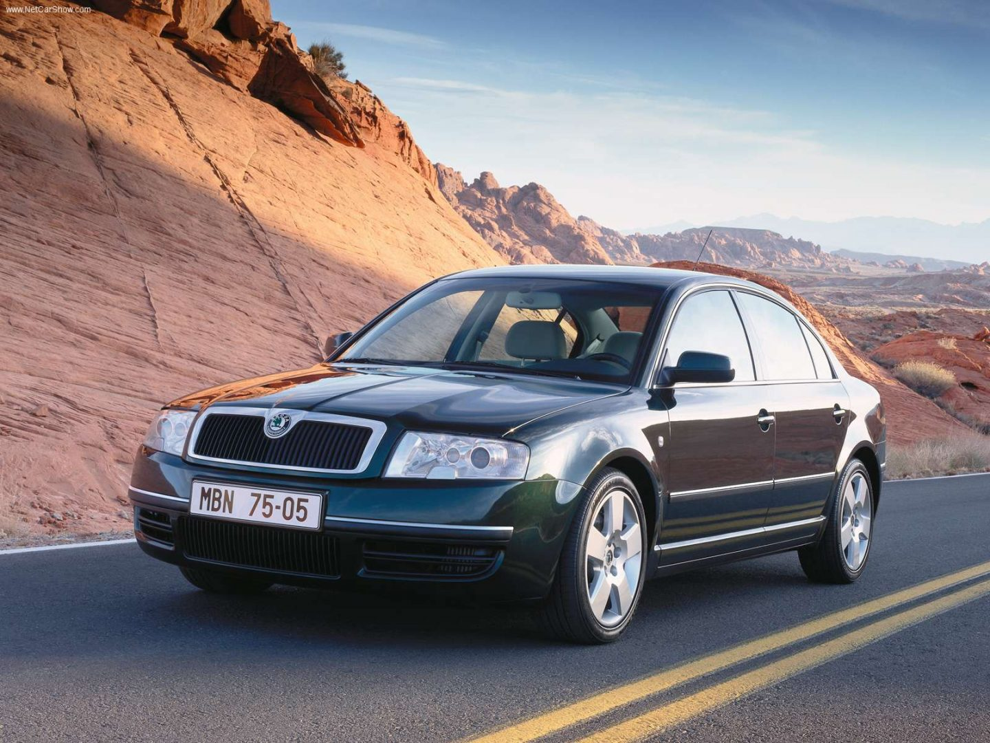ŠKODA SUPERB - 2001