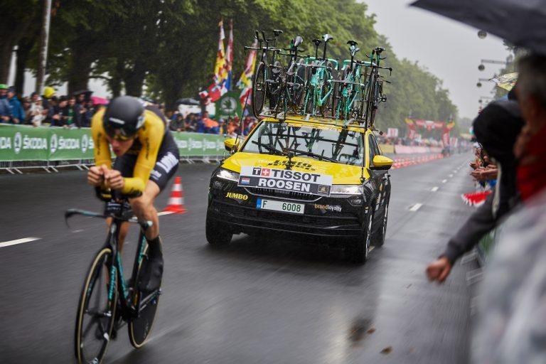 Tour de France: ŠKODA KAROQ nadchla diváky