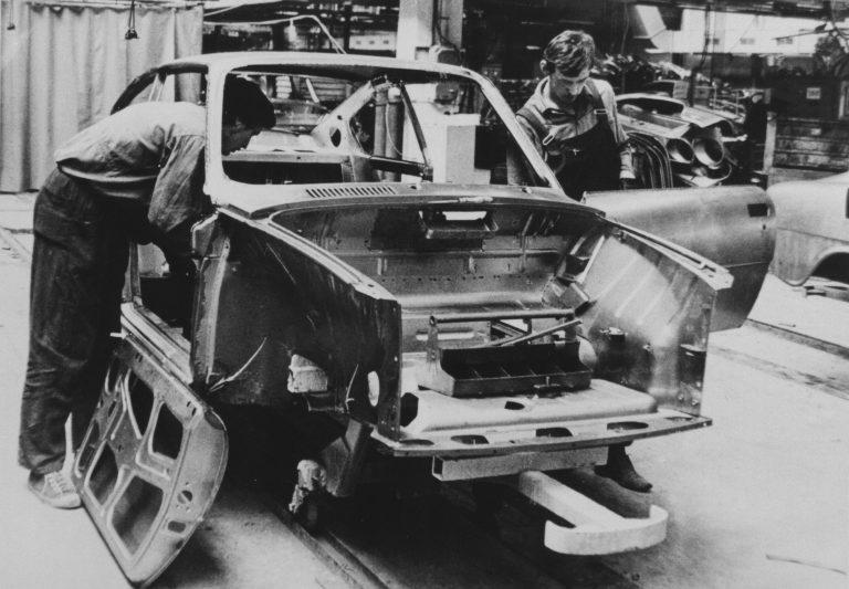 Montáž dveří před 40 lety
