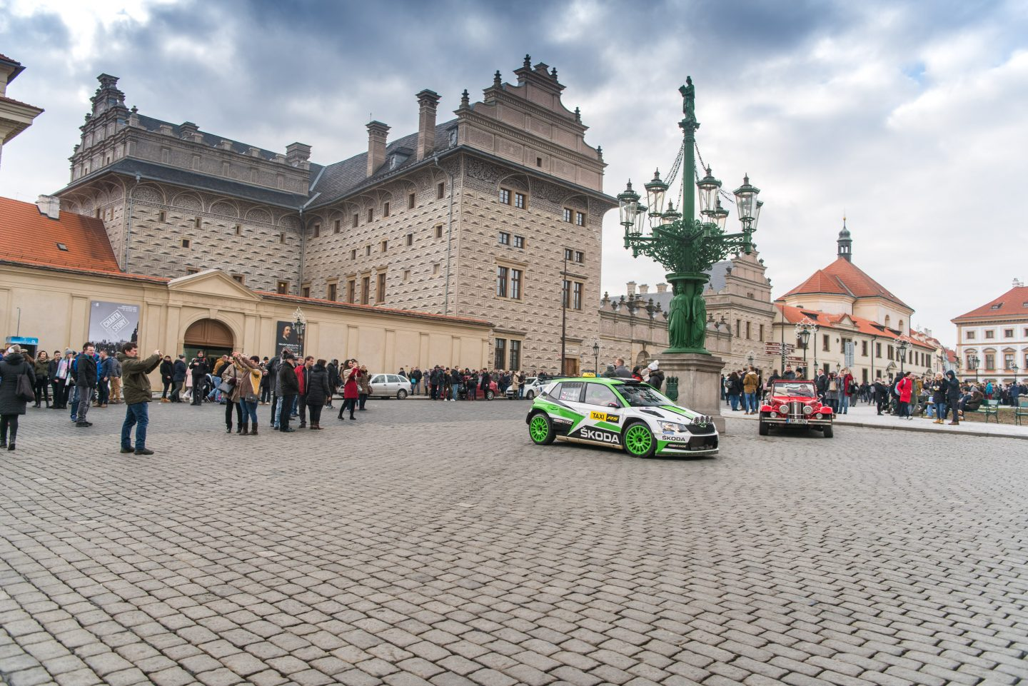 ŠKODA FABIA R5 raced passengers through Prague