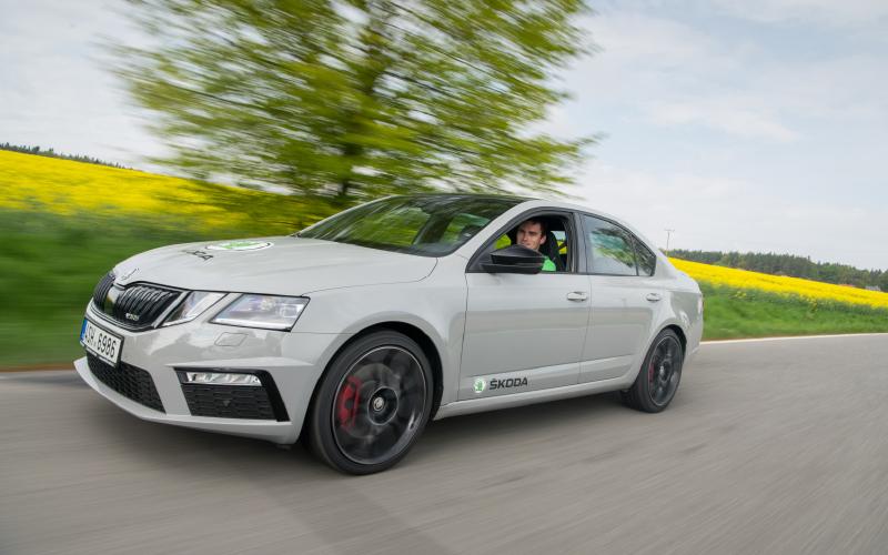 Kopecky-octavia-rs-road-drive