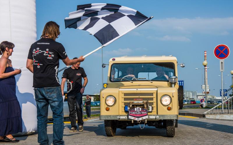 Trekka-with-race-flag