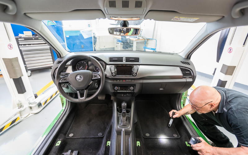 autobild-interior-inspection