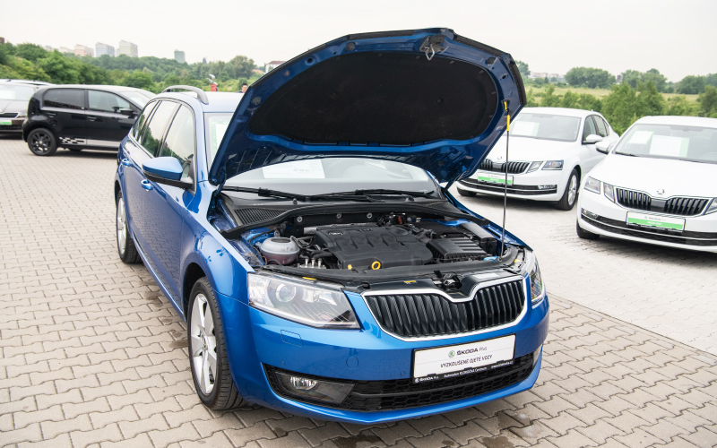 Blue-octavia-engine