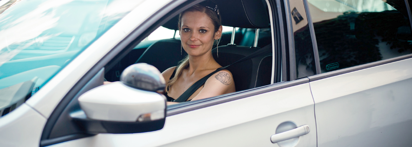 Driving-instructor-K.Pivrncova-inside-rapid-sideview