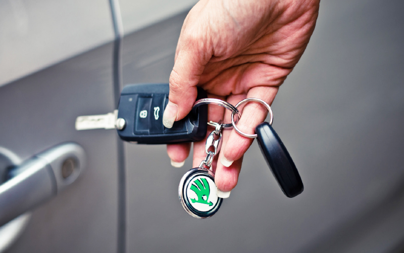 Driving-instructor-rapid-car-keys