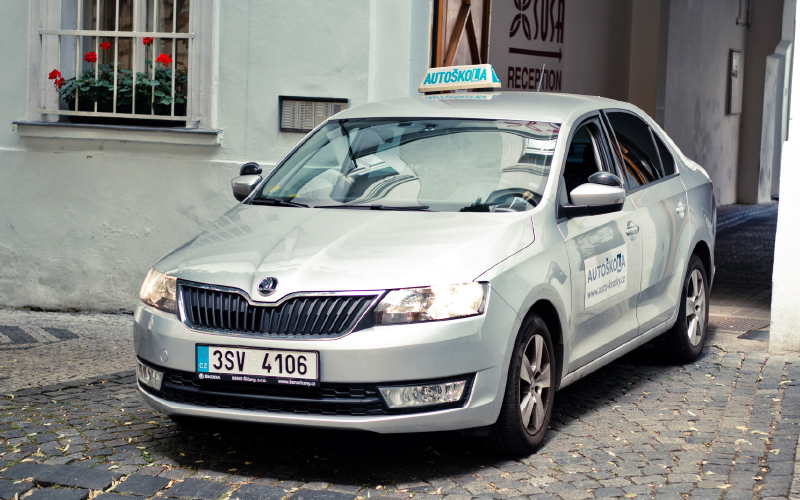Driving-instructor-rapid-front-view