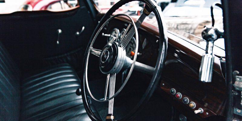 SKODA-SUPERB-3000-steering-wheel