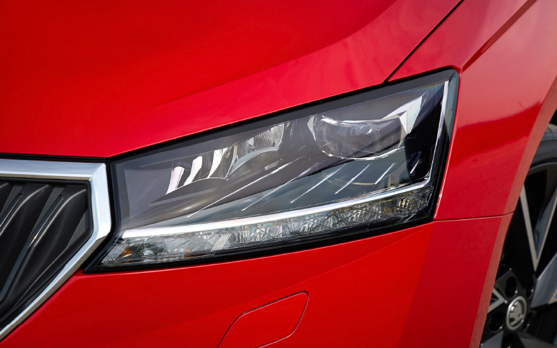 Fabia-front-light-close-view