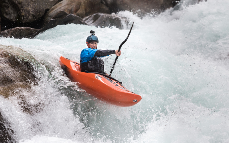 Kopecek-kayak-river