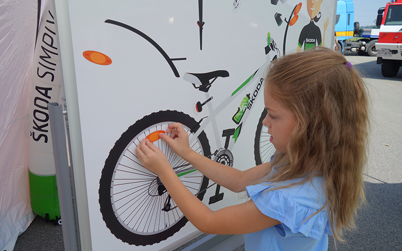 girl-bike-safety-features