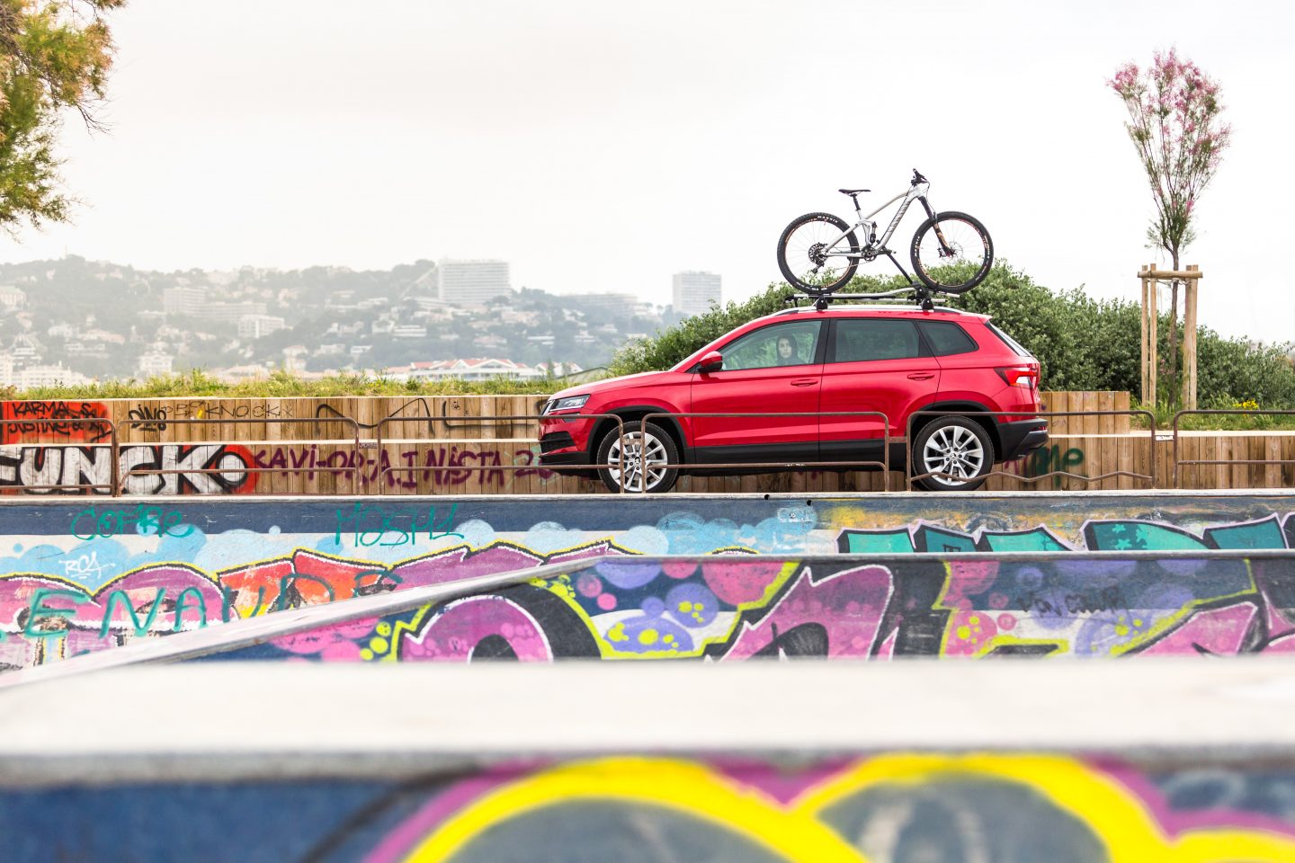 Miss Peaches on the road: Dirt jumping in Marseilles