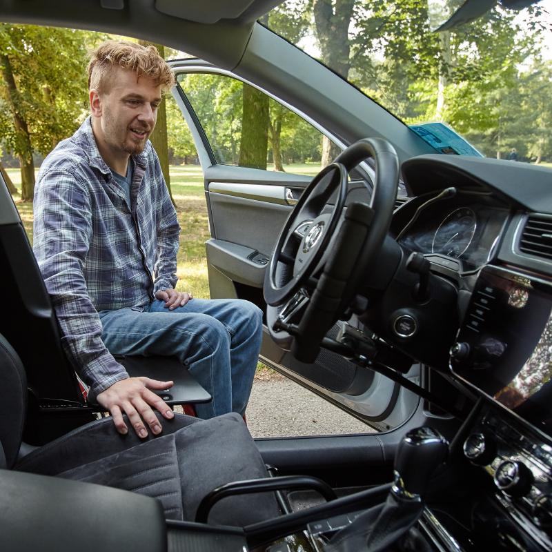 Ales-entering-rhe-car-superb-interior