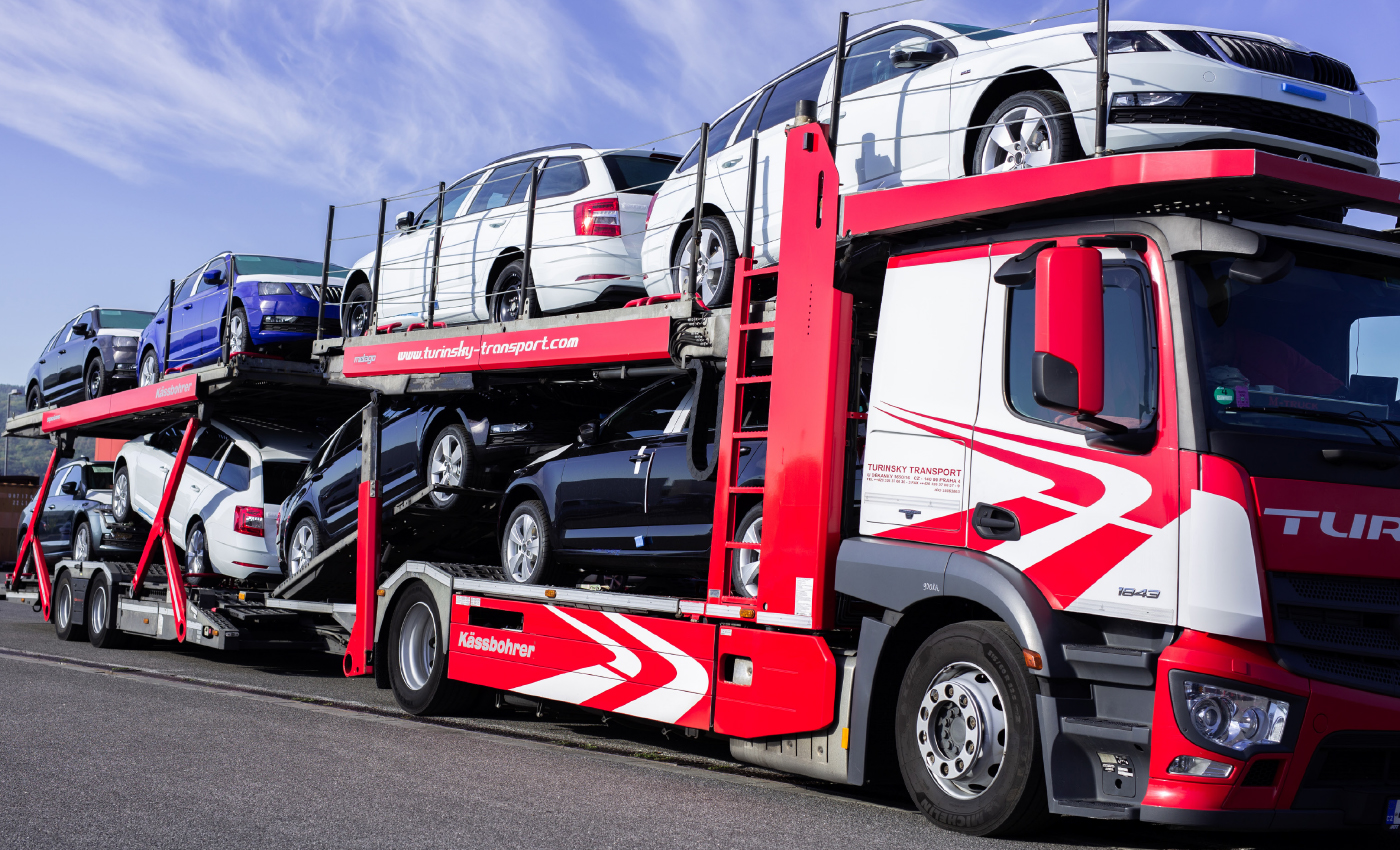Truck-with-cargo-cars