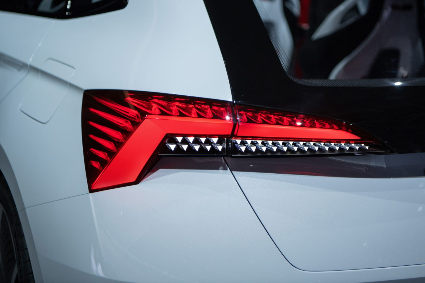 vision-rs-skoda-paris-rear-light-1