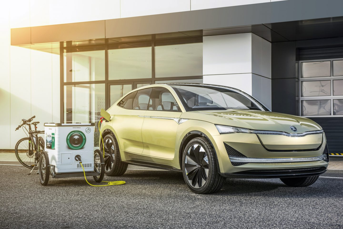 Types of Electric Vehicles – Do You Know Them All? - ŠKODA Storyboard