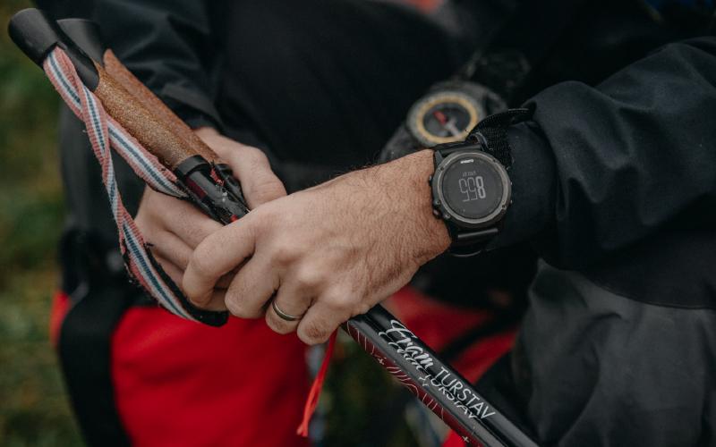 Davor-hands-watches-close-look