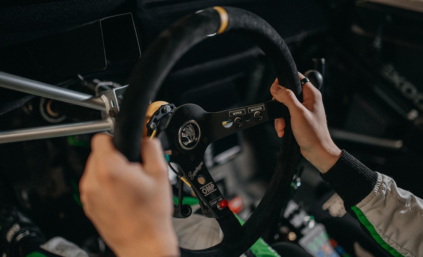 kalle-steering-wheel
