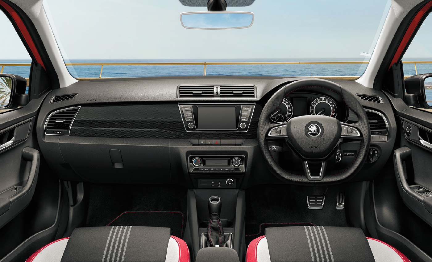 SKODA-FABIA-right-interior